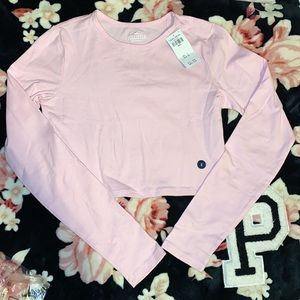 2 NWT Hollister Must Have Cropped Baby Tee!